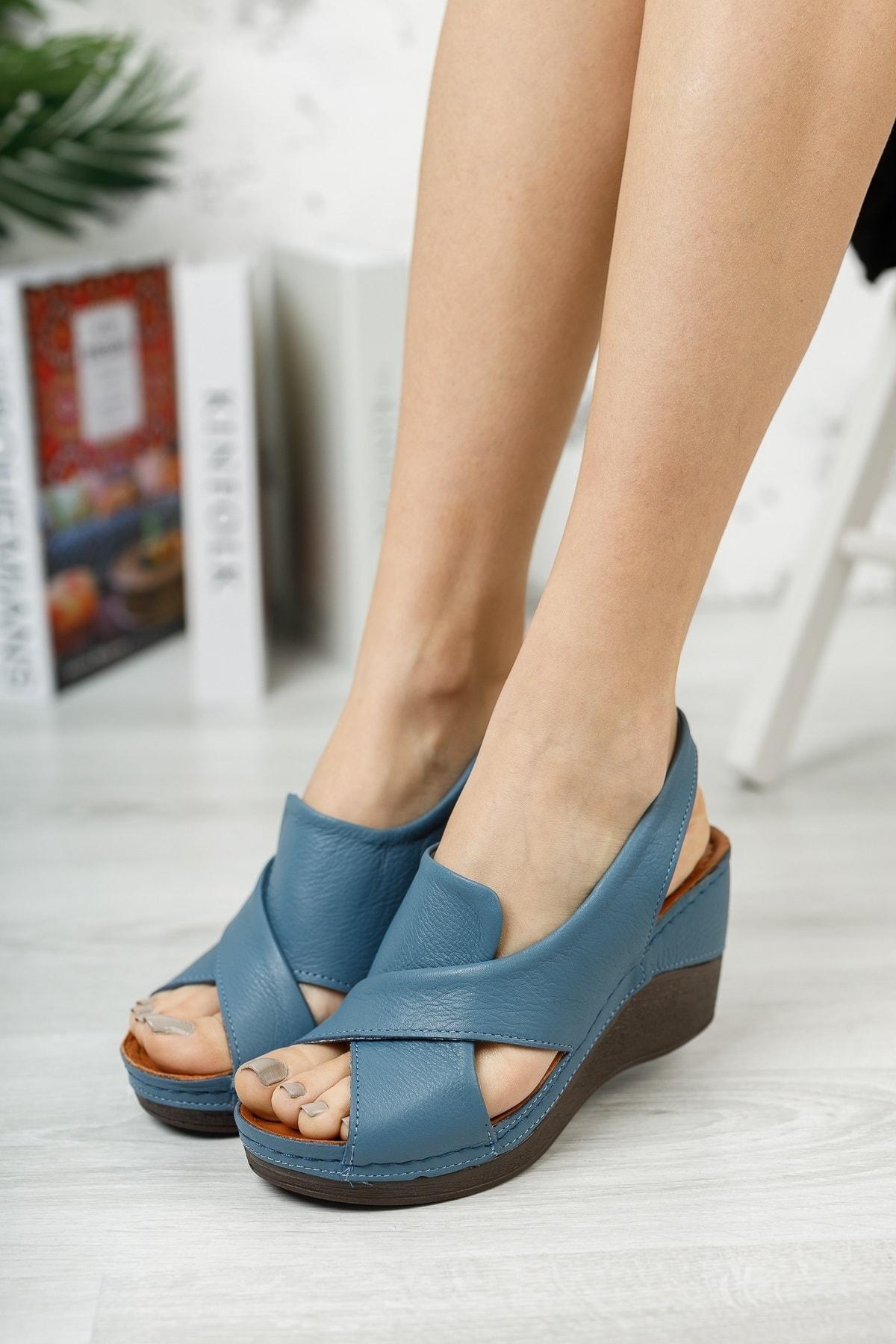 Kadın Mavi  Hakiki Deri Dolgu Topuklu Deri Sandalet