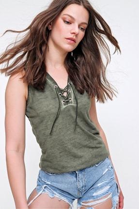 Trend Alaçatı Stili Kadın Haki Kolsuz Kış Gözlü Yıkamalı Bluz MDA-1169 2