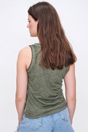 Trend Alaçatı Stili Kadın Haki Kolsuz Kış Gözlü Yıkamalı Bluz MDA-1169 4