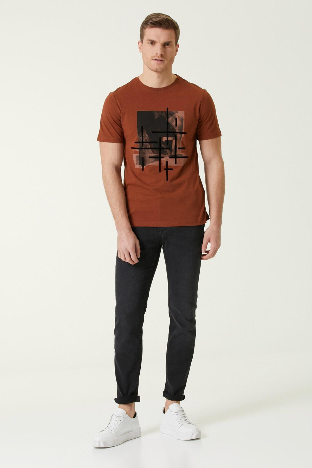 Erkek Kiremit Baskılı T-shirt 1078404