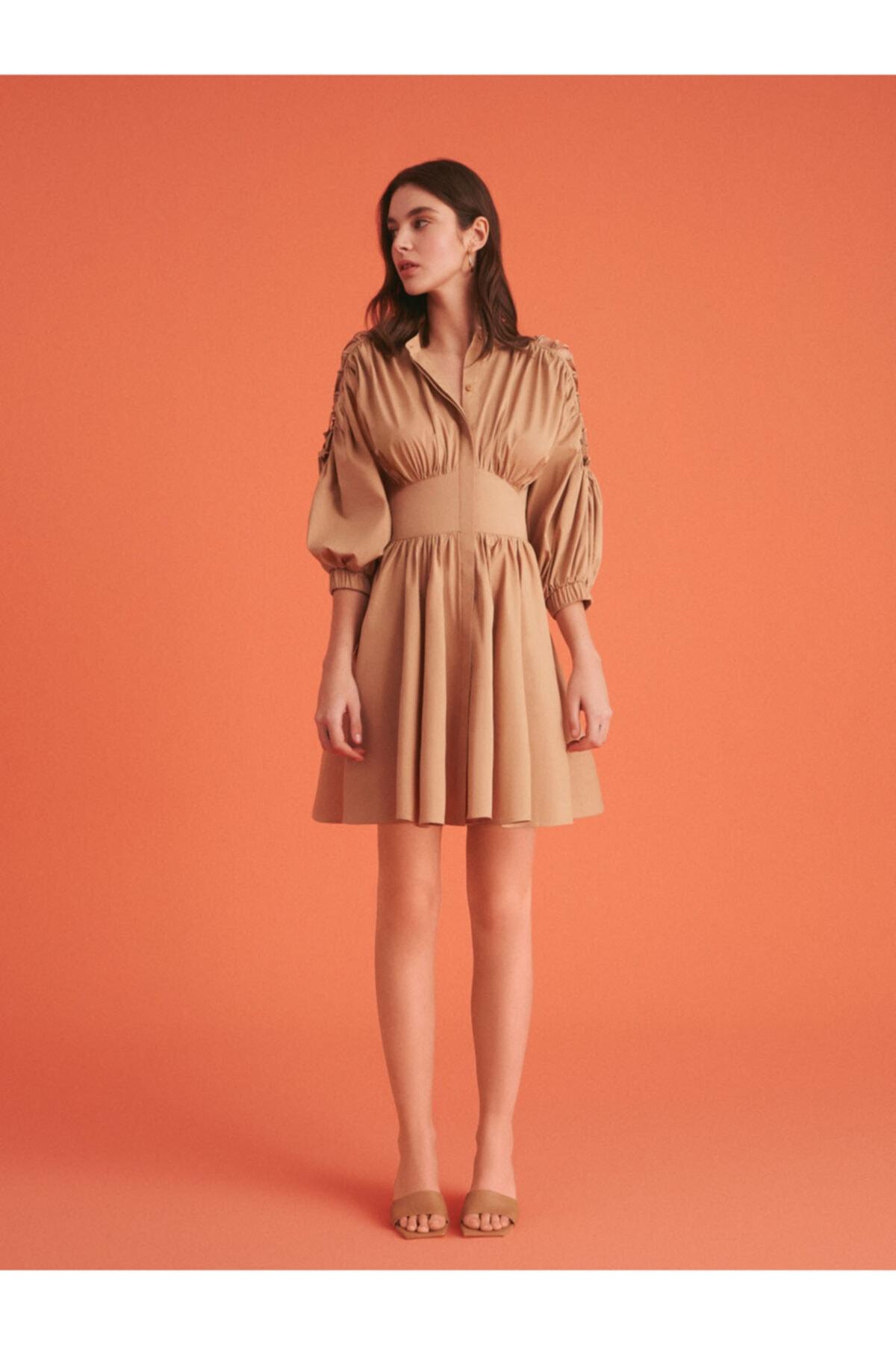 Kadın Bej Bağcık Detaylı Mini Elbise