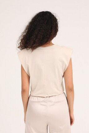 Quzu Butikaylinnnn Kadın Bej Baskılı Vatkalı Crop Tişört 4