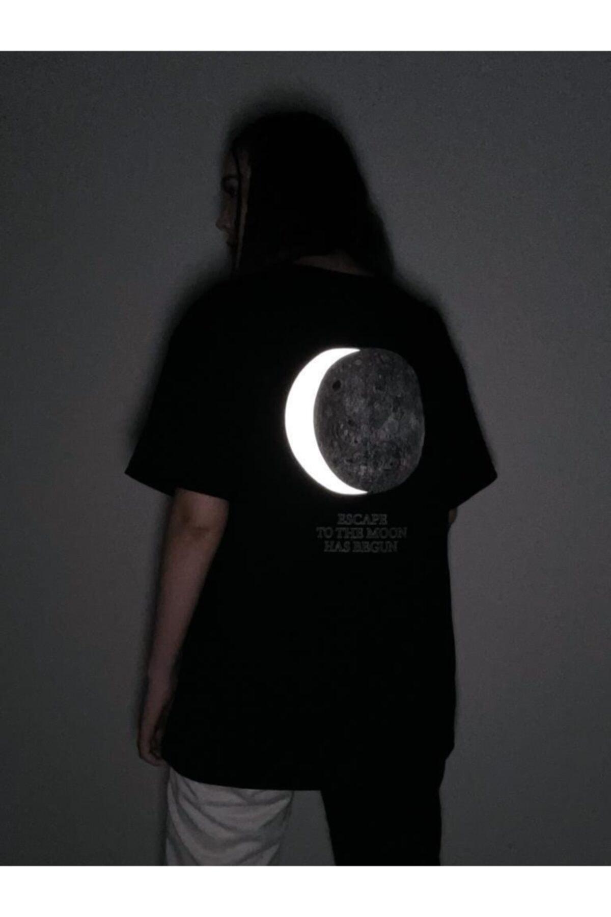 Siyah Dolunay Reflektörlü Tişört