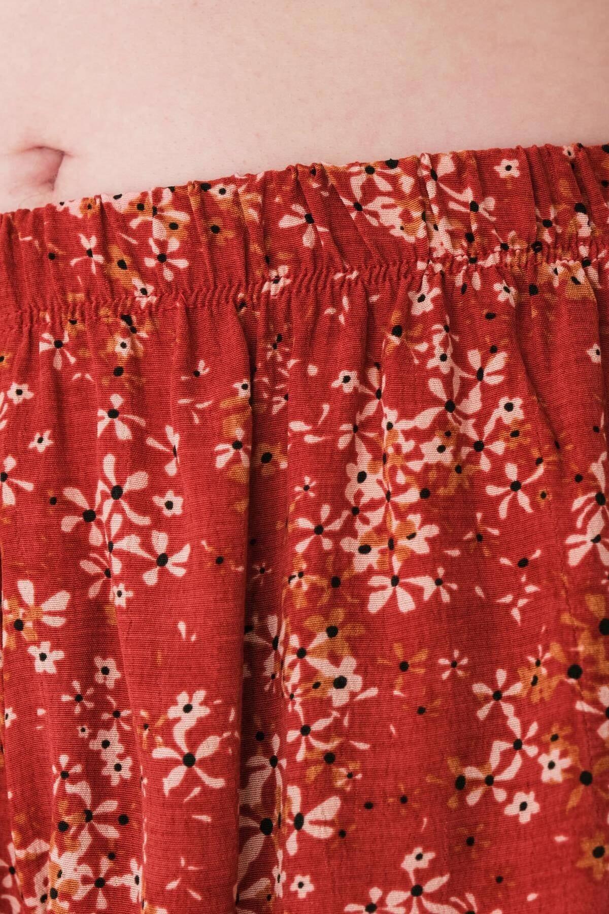 Addax Kadın Kırmızı Beli Lastikli Şort S0973 - S8 ADX-0000022402 3