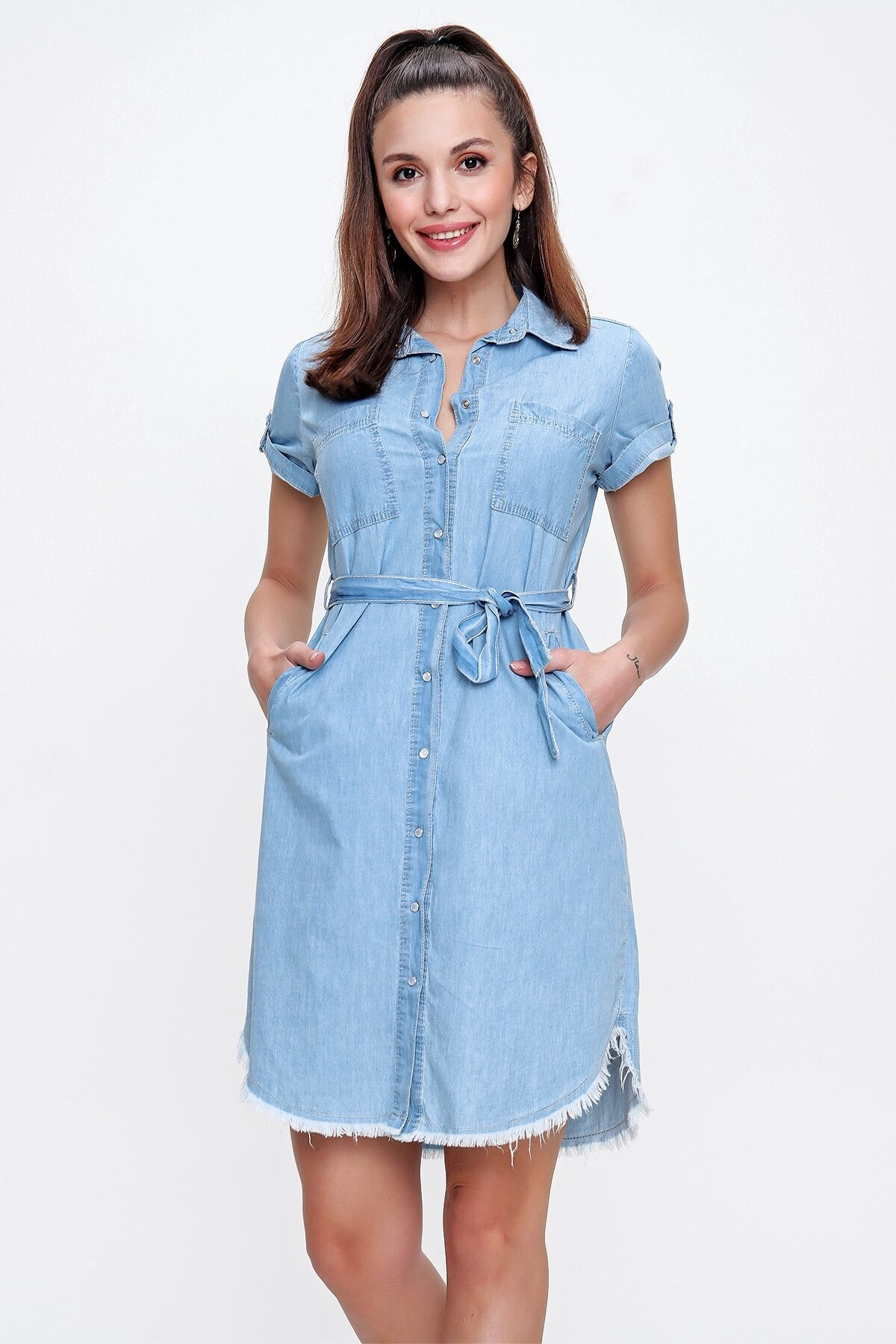 Önü Çıtçıtlı Eteği Püskül Cepli Kuşaklı Kot Elbise A.mavi