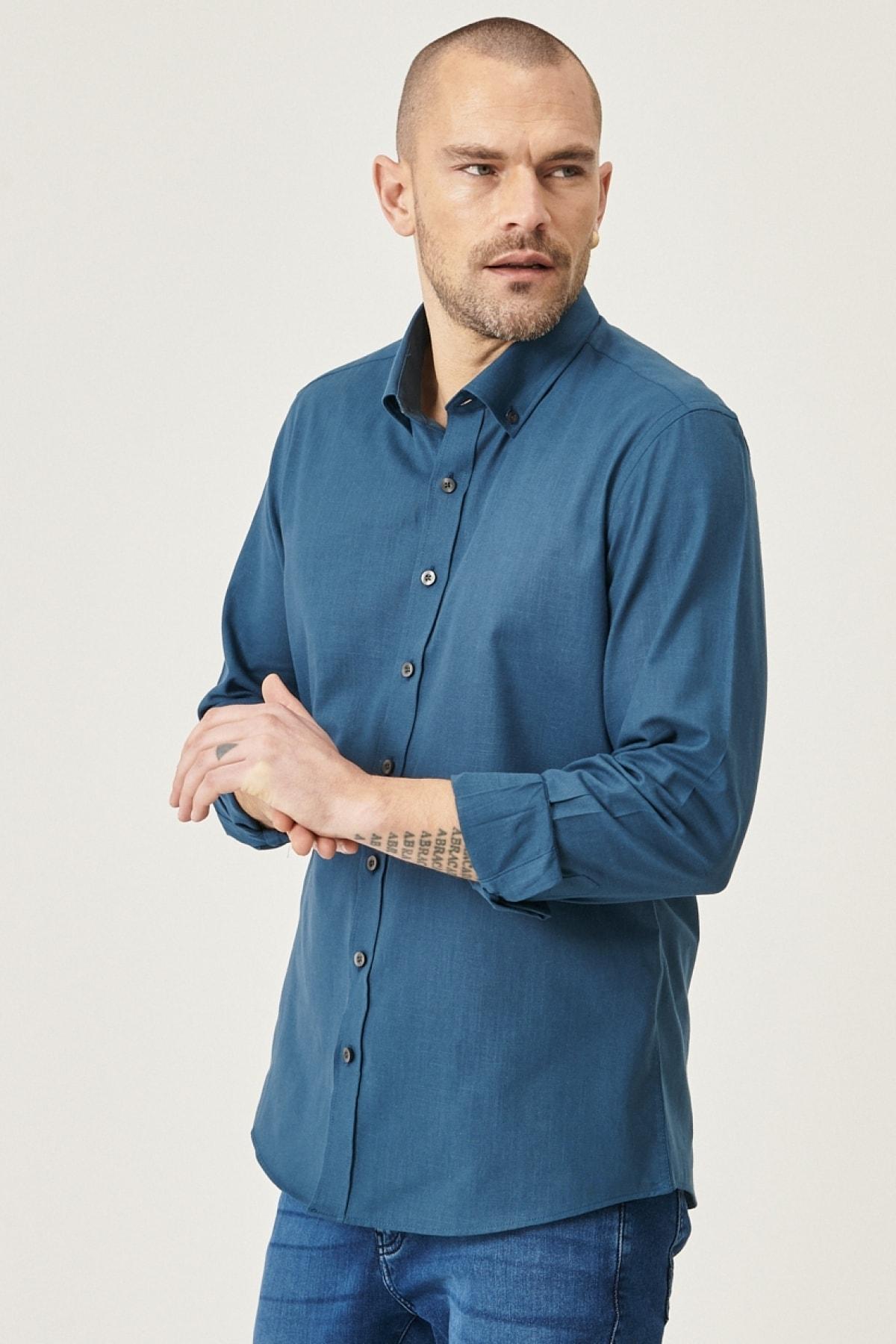 Erkek KOYU PETROL Tailored Slim Fit Dar Kesim Düğmeli Yaka %100 Koton Gömlek