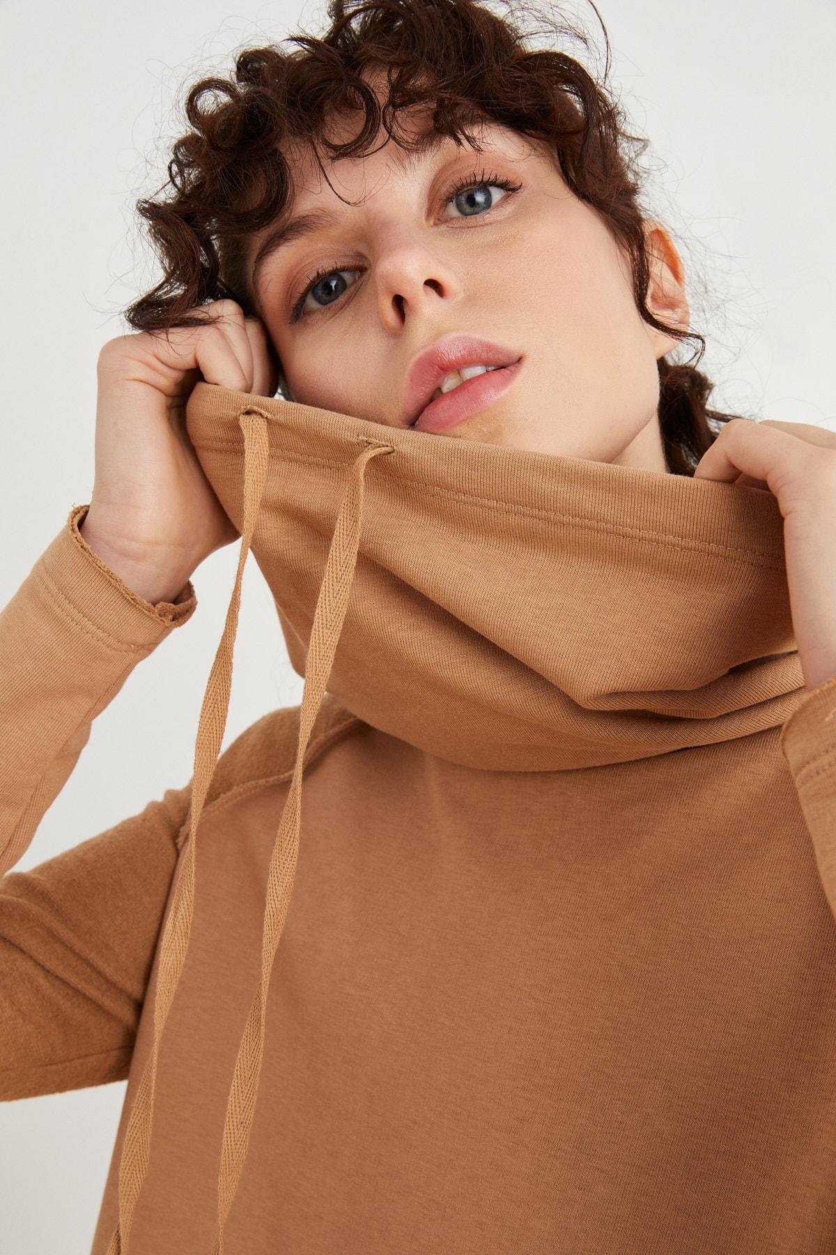 Kadın Camel Bato Yaka Sweatshirt 187L7799000