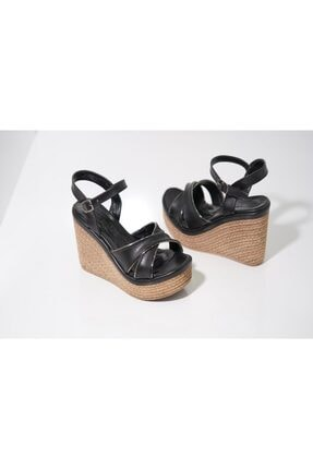 Kadın Siyah Dolgu Topuk Sandalet KADIN DOLGU TOPUK SANDALET SİYAH