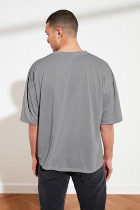TRENDYOL MAN Gri Basic Erkek Oversize Bisiklet Yaka Kısa Kollu T-Shirt TMNSS21TS0811 3