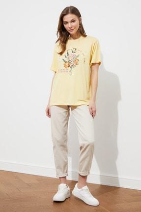 TRENDYOLMİLLA Sarı Boyfriend Örme T-Shirt TWOSS21TS3181 2