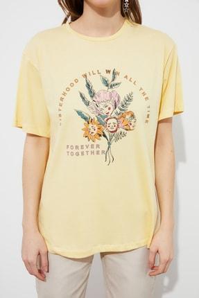 TRENDYOLMİLLA Sarı Boyfriend Örme T-Shirt TWOSS21TS3181 3