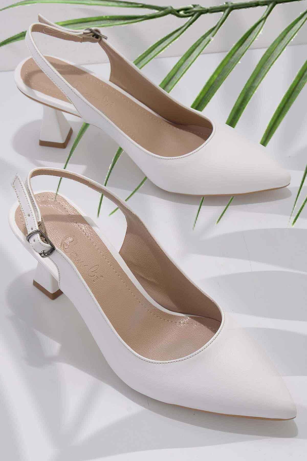 Beyaz Kadın Klasik Topuklu Ayakkabı K01840500009