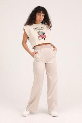Quzu Butikaylinnnn Kadın Bej Baskılı Vatkalı Crop Tişört 1