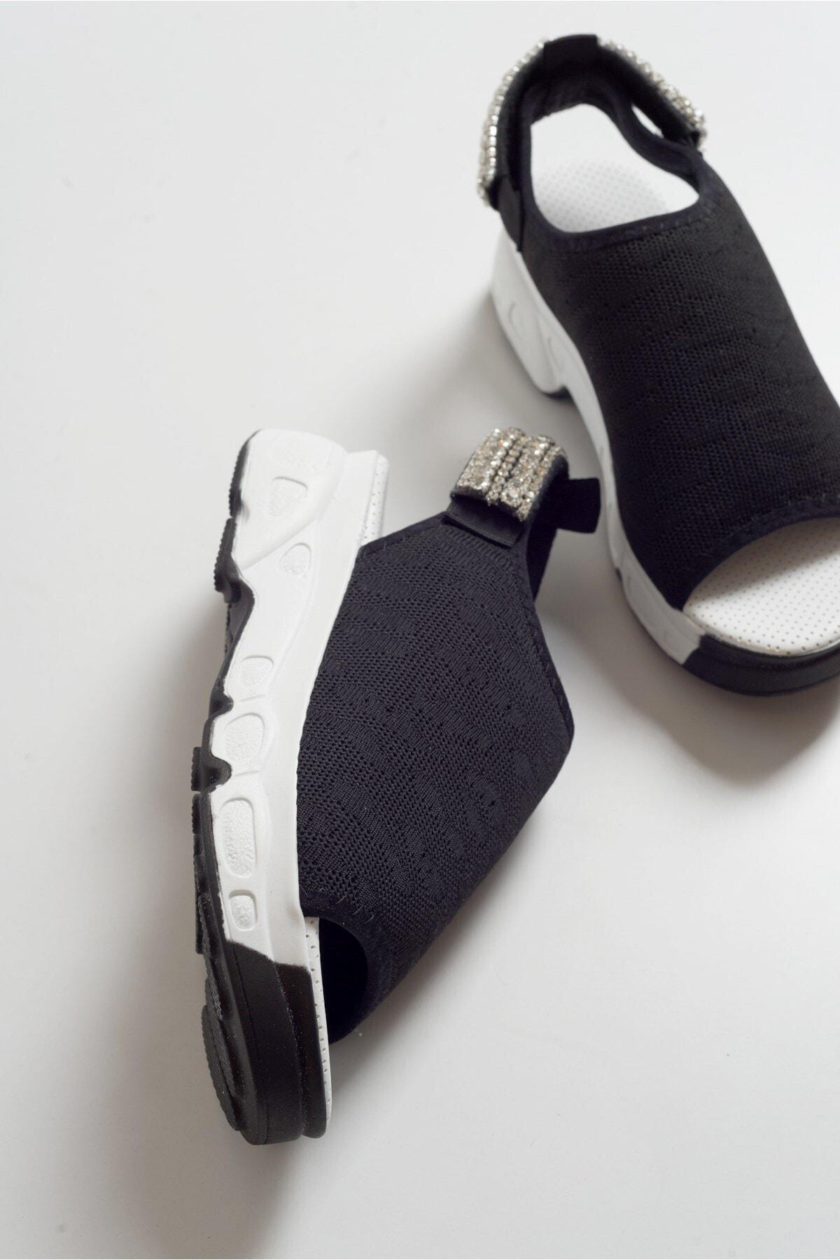 Kadın Siyah Sandalet 518