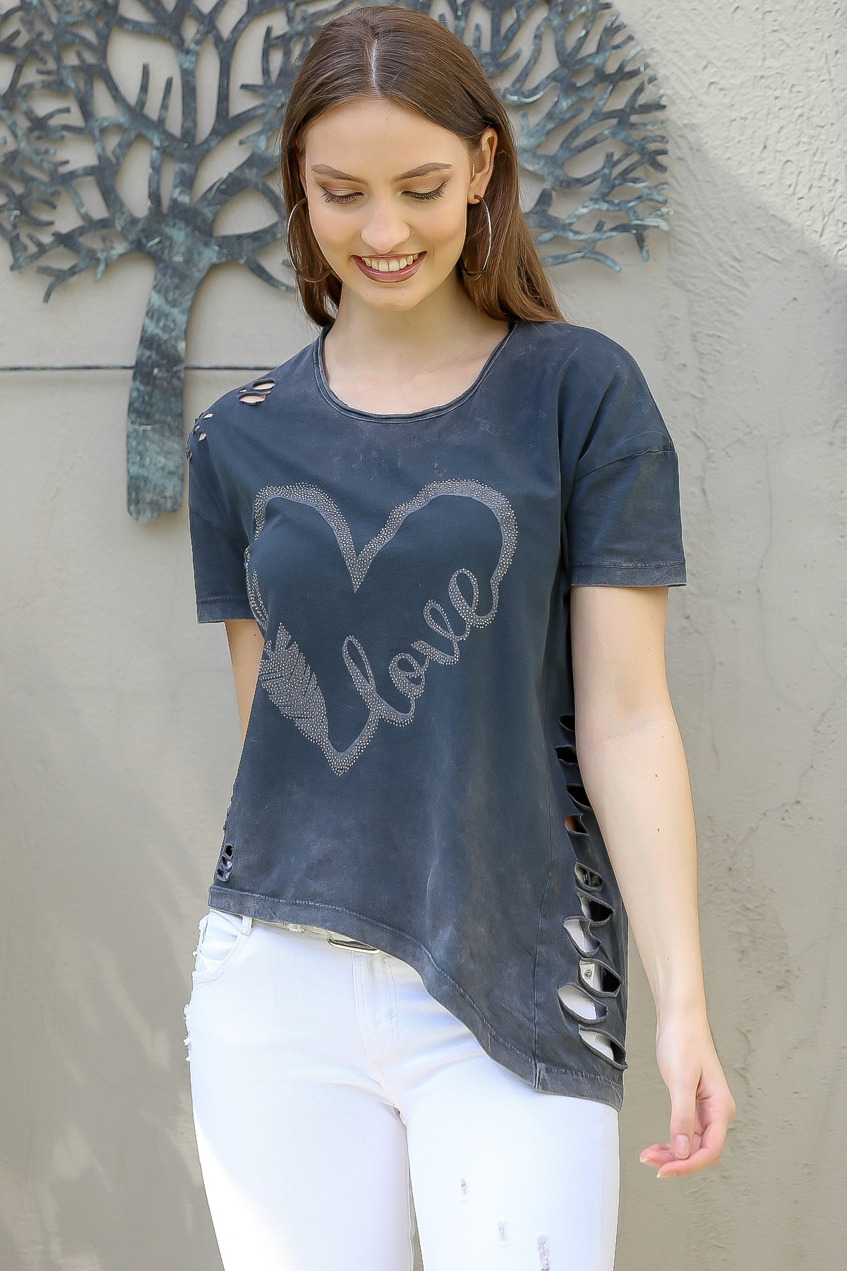 Chiccy Kadın Antrasit Love Kalp Baskılı Lazer Kesimli Asimetrik Yıkamalı T-Shirt M10010300TS98245 2