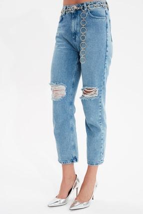 TRENDYOLMİLLA Mavi Yırtık Detaylı Yüksek Bel Straight Jeans TWOAW21JE0120 4