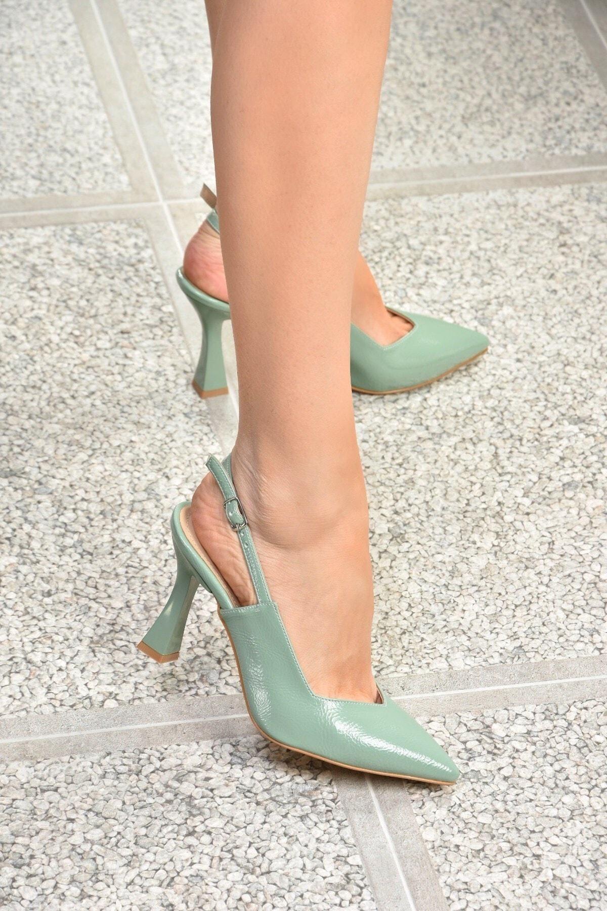 Kadın Yeşil Rugan Topuklu Ayakkabı K820650208