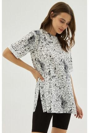 Pattaya Kadın Beyaz Yırtmaçlı Oversize Kısa Kollu Tişört P21s201-2121 2