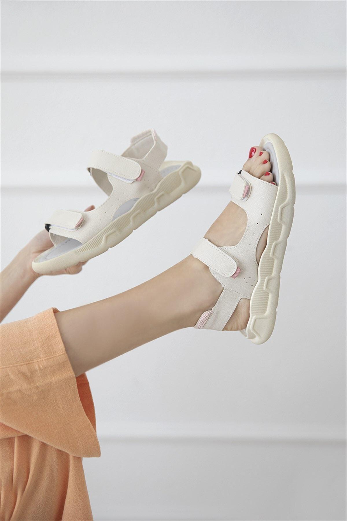 Kadın Krem Cırt Detay Günlük Sandalet
