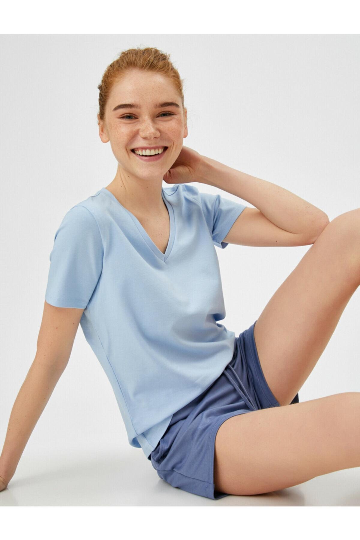 Kadın Mavi V Yaka T-Shirt