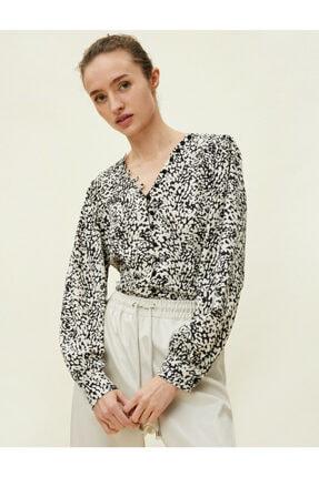 Koton Kadın Desenli Dügme Detayli Siyah Bluz 0KAK68336PW 1