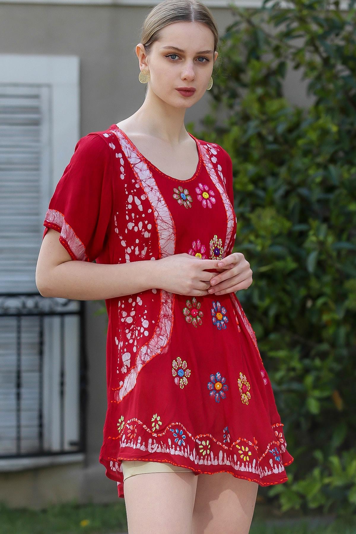 Chiccy Kadın Bordo U Yaka Çiçek Nakışlı Batik Desenli Salaş Tunik Bluz M10010200BL95380 2