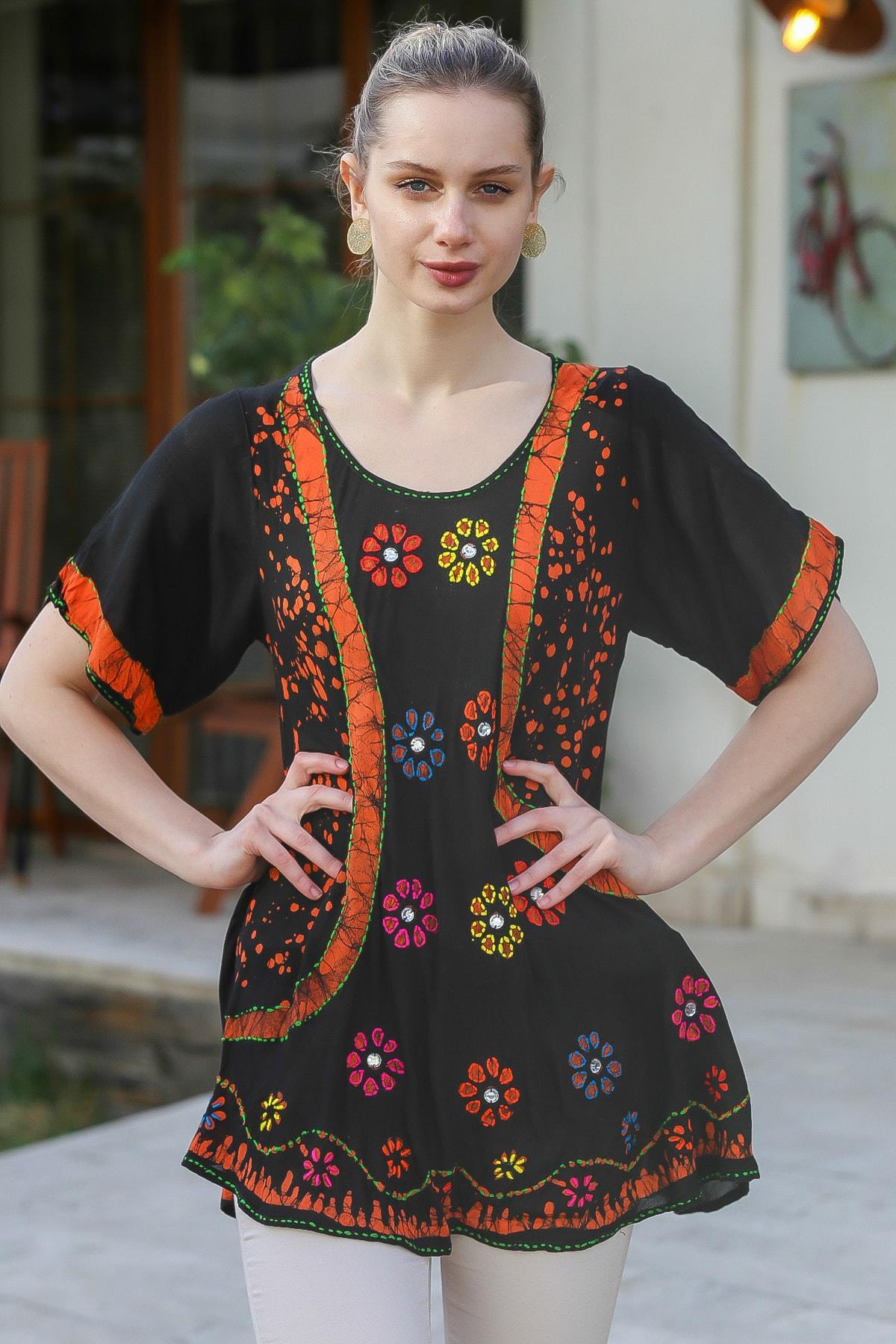 Chiccy Kadın Siyah U Yaka Çiçek Nakışlı Batik Desenli Salaş Tunik Bluz M10010200BL95380 0