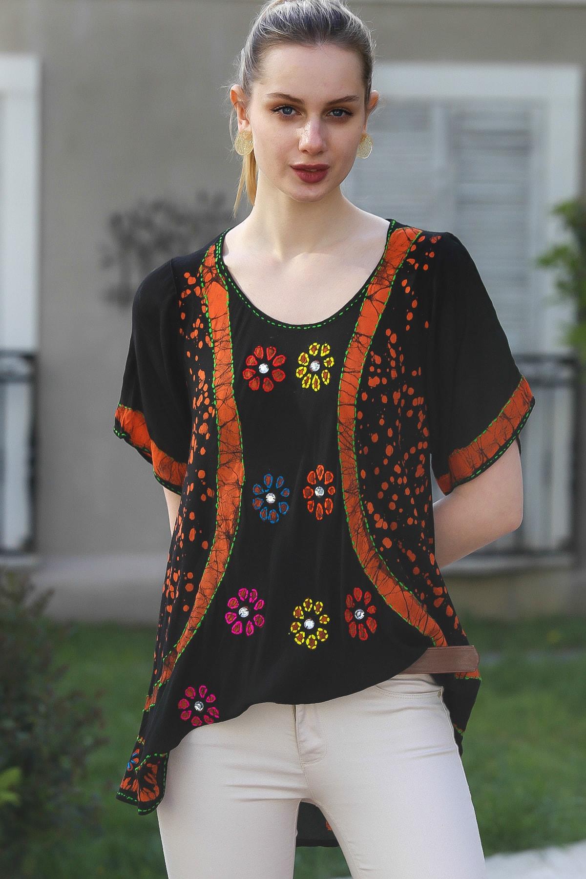 Chiccy Kadın Siyah U Yaka Çiçek Nakışlı Batik Desenli Salaş Tunik Bluz M10010200BL95380 1