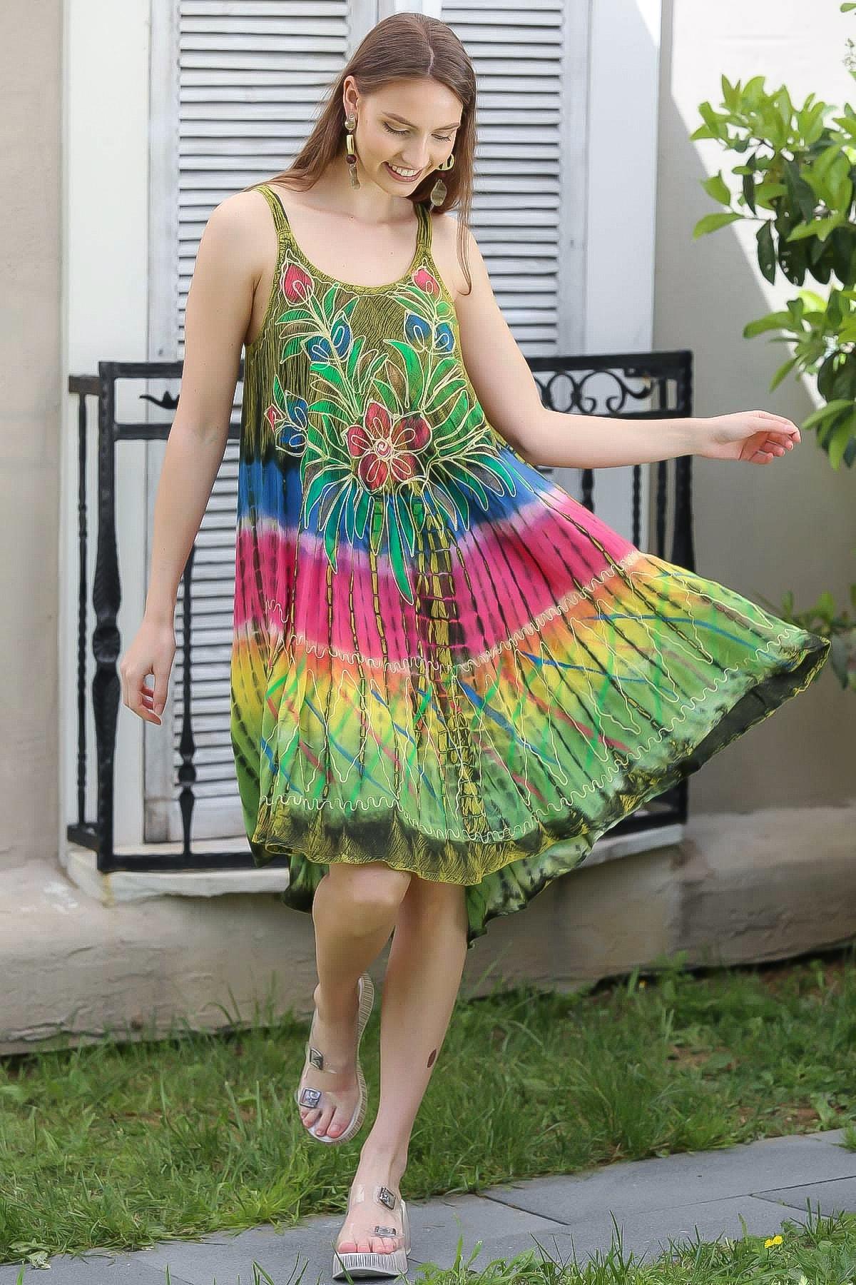 Kadın Yeşil Hint İşi Çiçek Desenli Batik Elbise M10160000EL94981