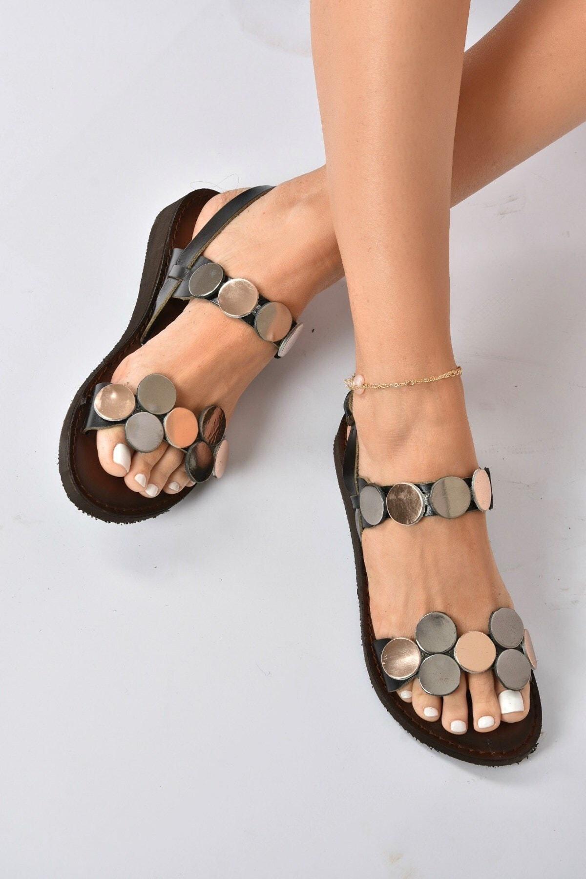 Kadın Siyah Hakiki Deri Sandalet K374680603