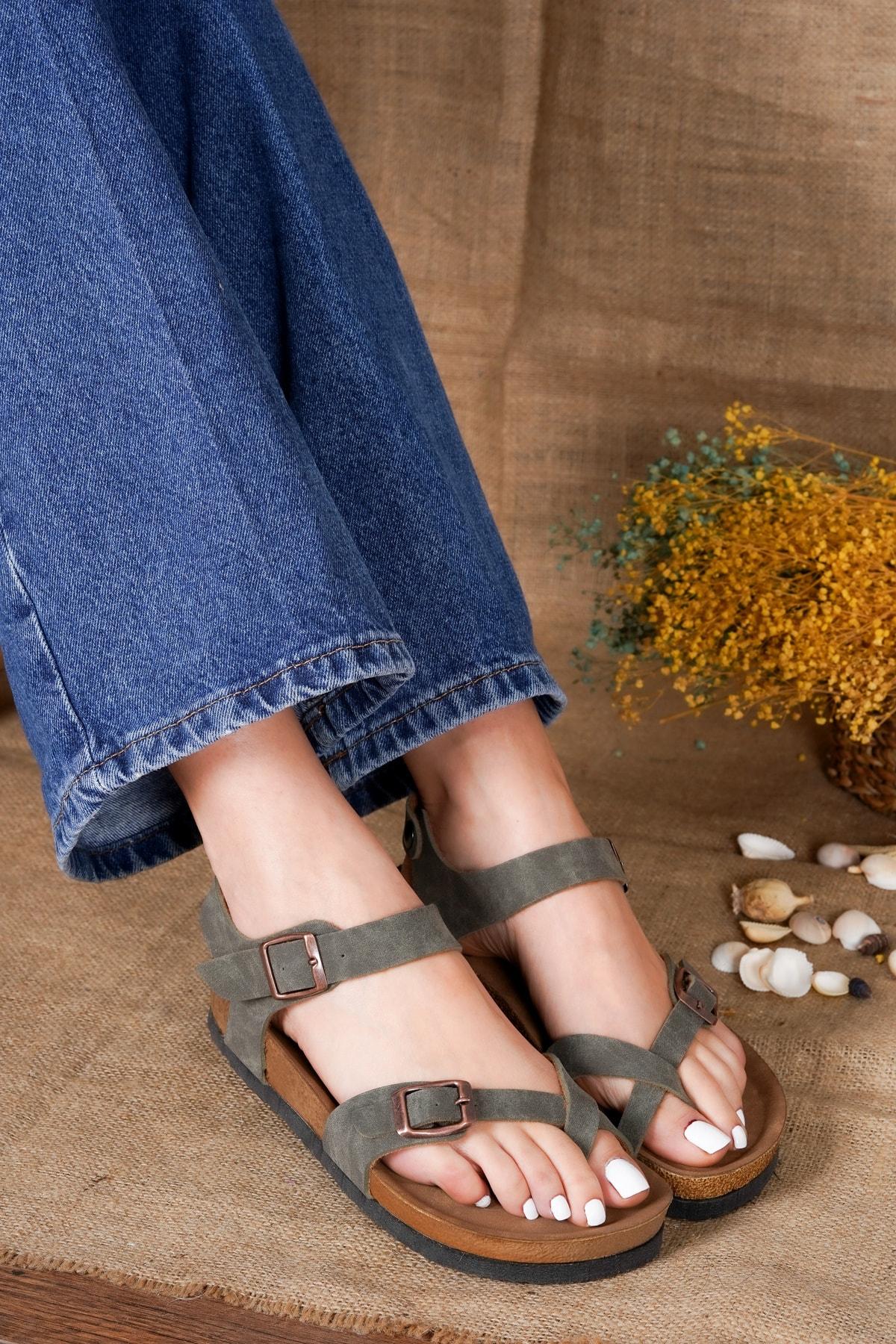 Kadın Haki Nubuk Parmak Arası Sandalet