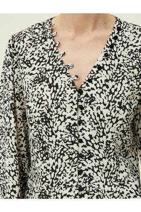 Koton Kadın Desenli Dügme Detayli Siyah Bluz 0KAK68336PW 4