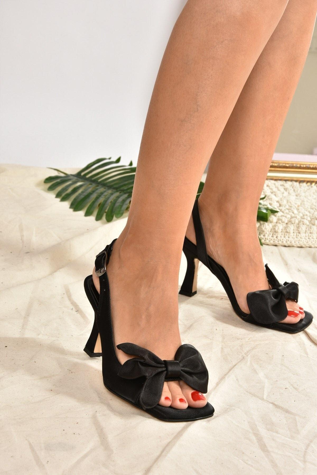 Siyah Saten Kurdele Detaylı Kadın Topuklu Ayakkabı K749384904