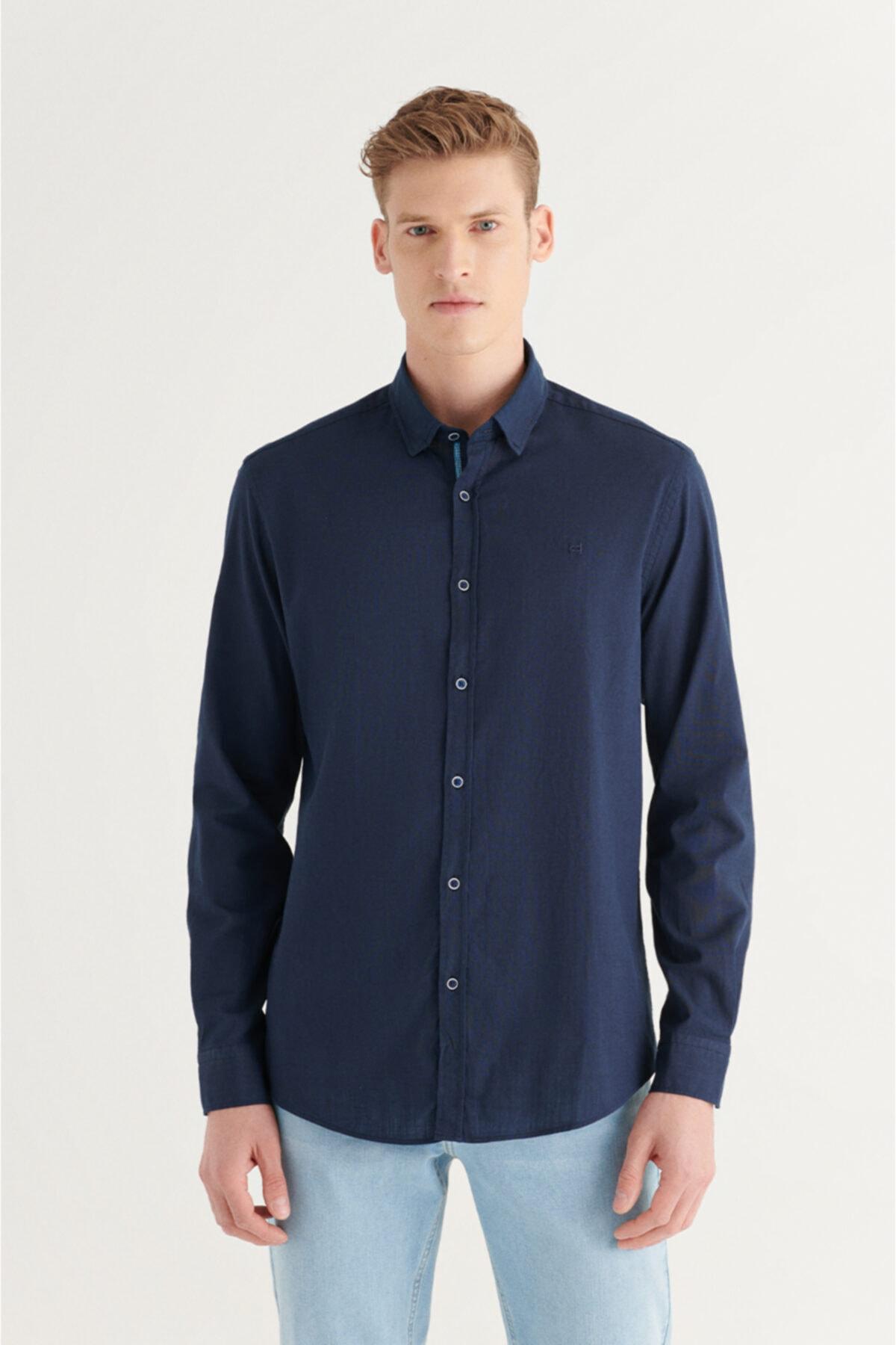 Erkek Lacivert Düz Alttan Britli Yaka Regular Fit Gömlek A11y2141