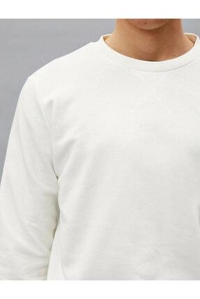 Koton Erkek Beyaz Pamuklu Basic Bisiklet Yaka Uzun Kollu Sweatshirt 4