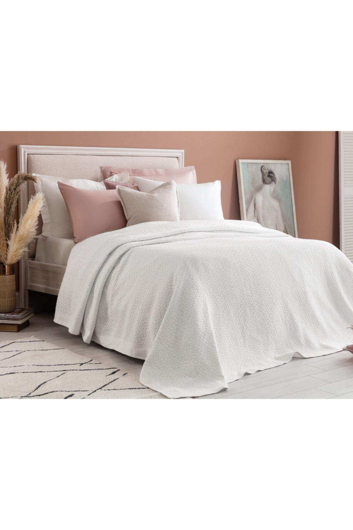 Eugenia Çift Kişilik Yatak Örtüsü - Beyaz