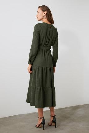 TRENDYOLMİLLA Haki Kuşaklı Kadife Büzgülü Elbise TWOAW20EL2133 3