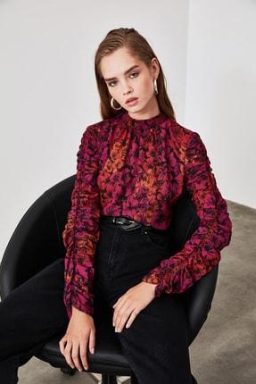 TRENDYOLMİLLA Çok Renkli Kol Detaylı Çiçek Desenli Bluz TWOAW20BZ0763 1