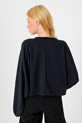 Trend Alaçatı Stili Kadın Siyah Yarasa Kollu Baskılı Tasarım Crop Sweatshırt MDA-1014 4