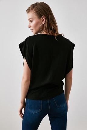 TRENDYOLMİLLA Siyah Kol Detaylı Bluz TWOAW21BZ0092 3