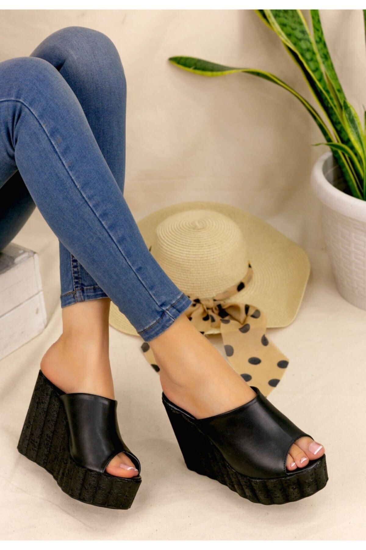 Erbilden Kadın Siyah Jannifer Dolgu Topuklu Terlik