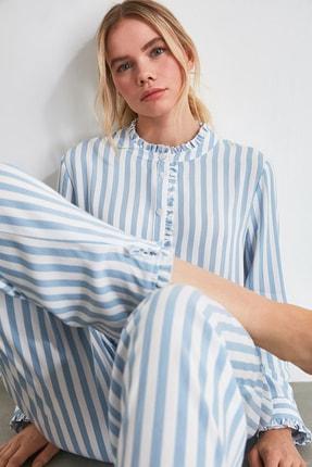 TRENDYOLMİLLA Mavi Çizgili Dokuma Pijama Takımı THMAW21PT0290 2
