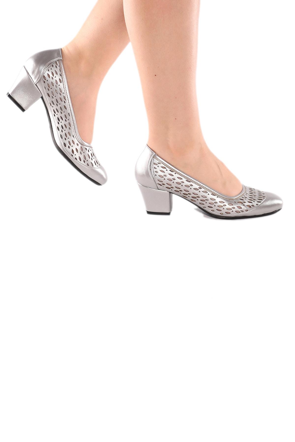 Marcatella Kadın Altın Sarısı Alçak Topuklu Ayakkabı