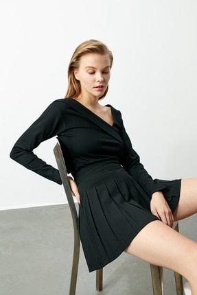 TRENDYOLMİLLA Siyah Yaka Detaylı Örme Bluz TWOAW21BZ0500 2