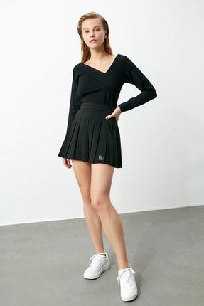 TRENDYOLMİLLA Siyah Yaka Detaylı Örme Bluz TWOAW21BZ0500 3