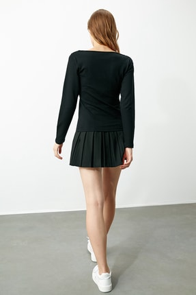 TRENDYOLMİLLA Siyah Yaka Detaylı Örme Bluz TWOAW21BZ0500 4