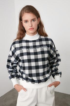TRENDYOLMİLLA Lacivert Dik Yaka Ekoseli Loose Örme Sweatshirt TWOAW21SW0151 1
