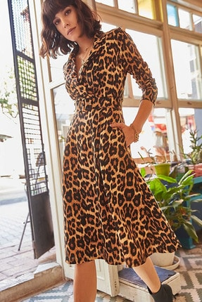 Elbise Delisi Kadın Kahverengi Leopar Desenli Midi Boy Kruvaze Yaka Kemerli Elbise 1