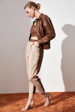 TRENDYOLMİLLA Taş Düz Kesim Suni Deri Detaylı Pantolon TWOAW21PL0152 2