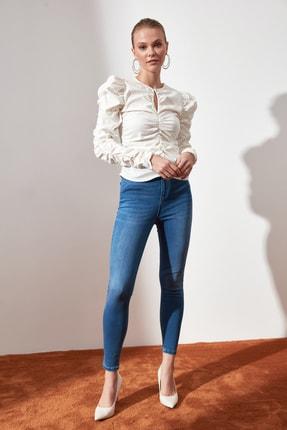TRENDYOLMİLLA Beyaz Büzgülü Bluz TWOAW21BZ0722 0